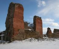 Legendinės Krėvos pilies bokšto griuvėsiai